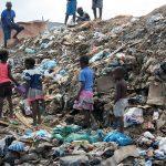 Remar ONG Angola reparte sopa en las calles de Luanda