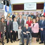 Remar ONG Chile recibe el reconocimiento del Alcalde.